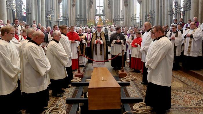 Kardinal Meisner Aufgebahrt